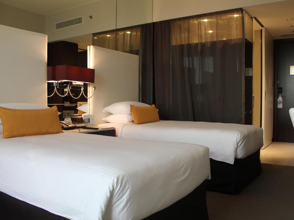 هتل سنترو شارجه بای روتانا