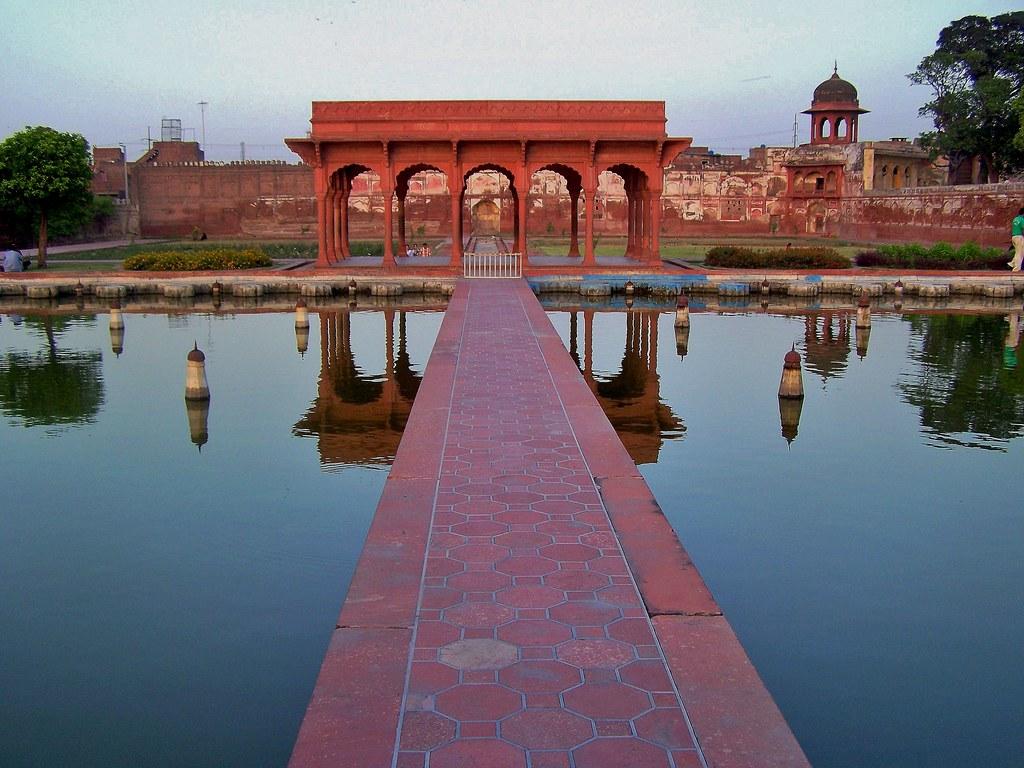 باغ شالیمر در لاهور