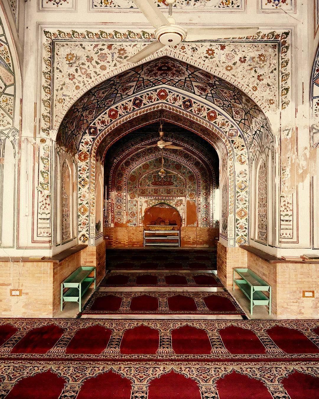 مسجد محبت خان در پیشاور