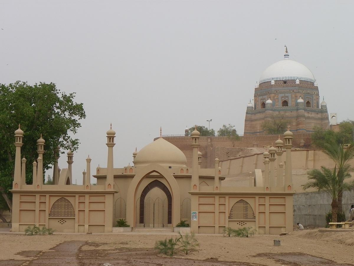 مقبره بهاء الدین زکریا در مولتان