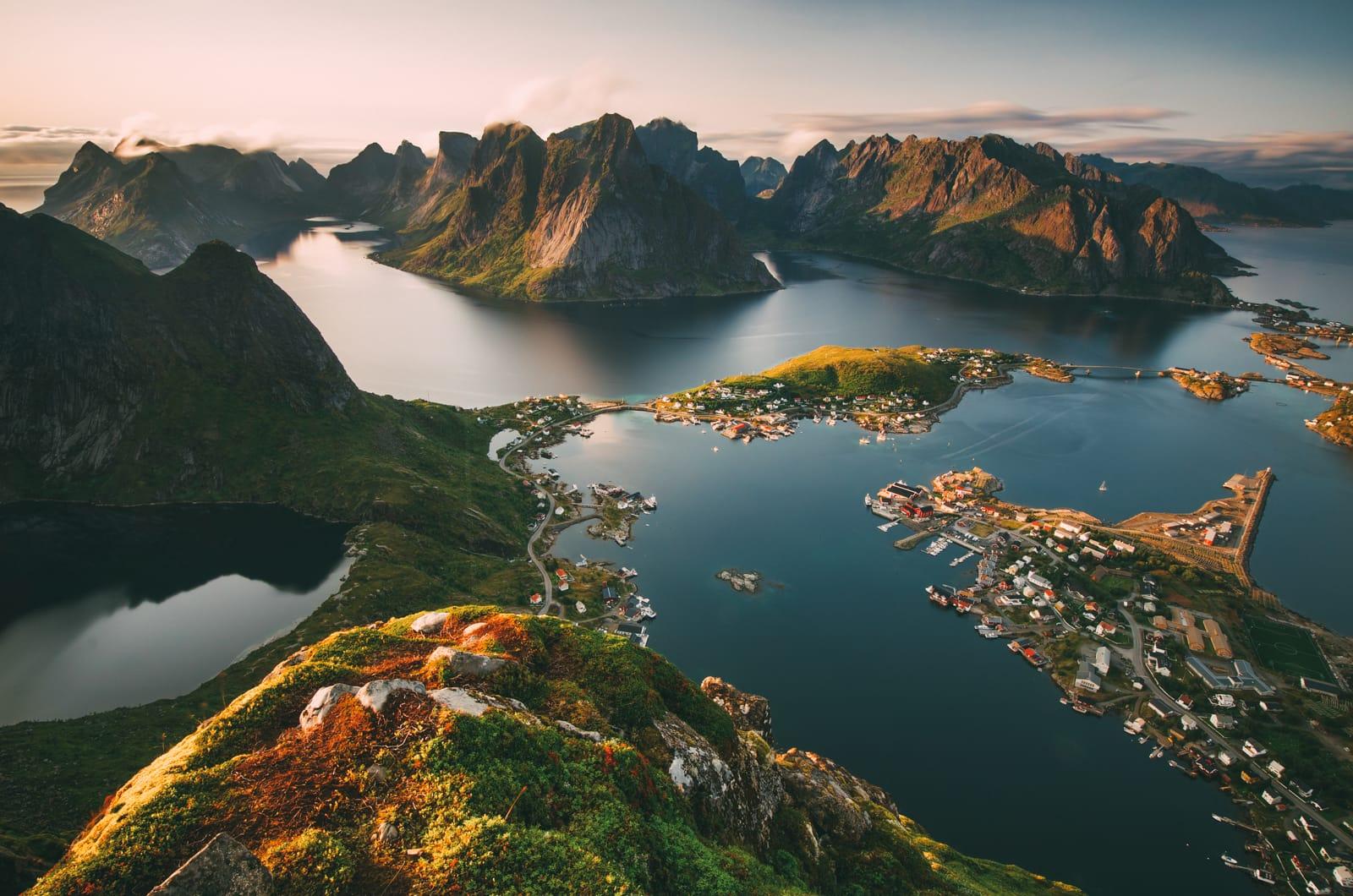 در نروژ گاهی شب ها هم خورشید می تابد