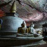 غار دمبولا در سریلانکا