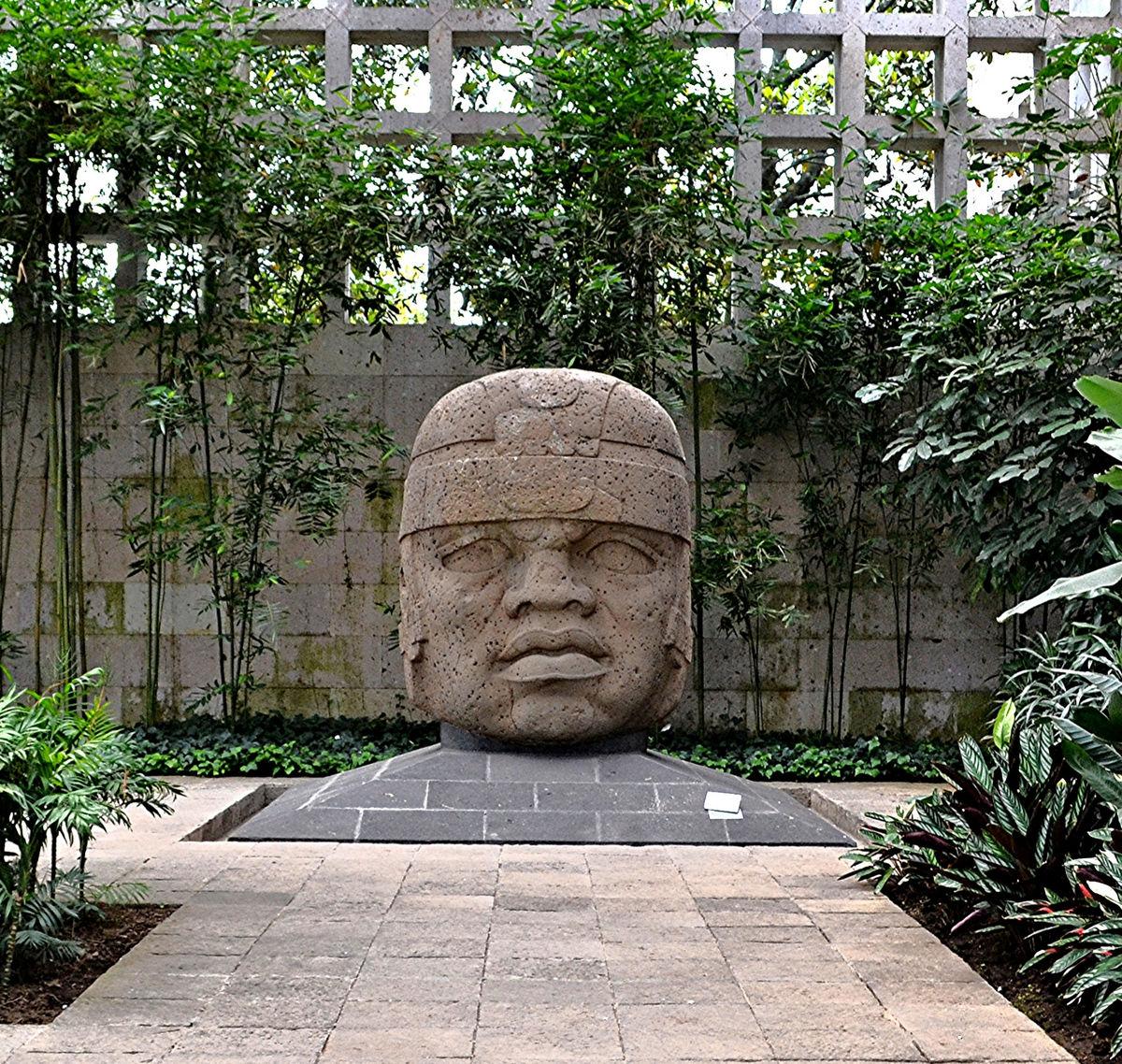 مجسمه سرهای اولمک