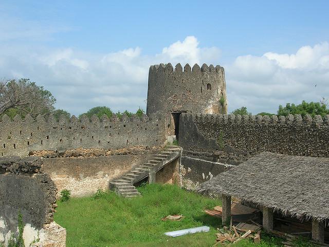 قلعه لامو