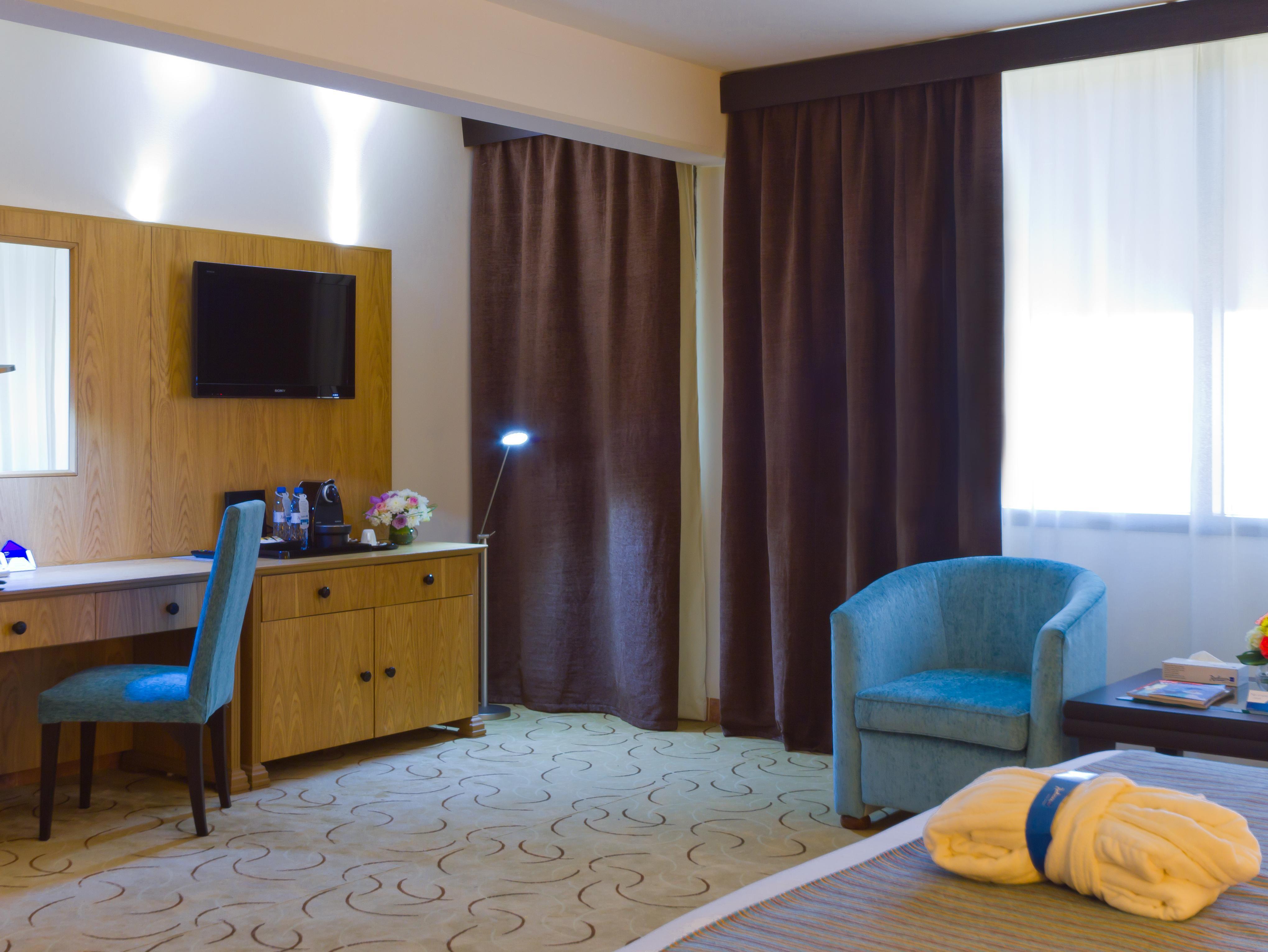 هتل رادیسون بلو رسورت شارجه