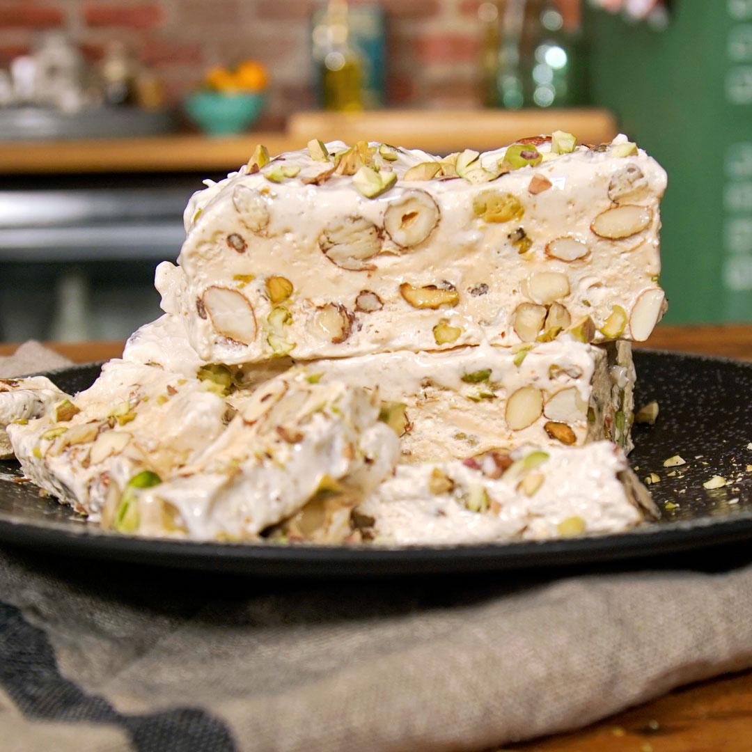 با شیرینی تورونه ایتالیایی آشنا شوید