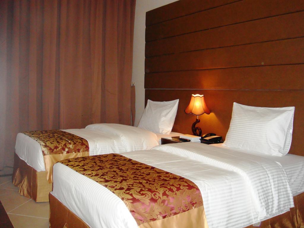 هتل کاپیتال او 325 کویین پالاس ابوظبی