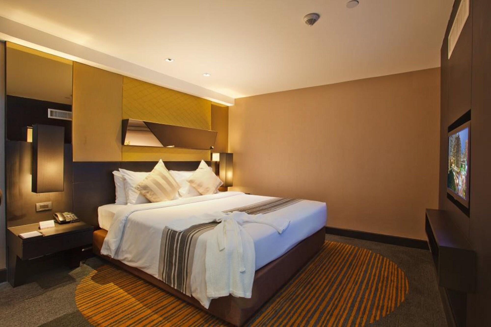 هتل گلدن تولیپ ماندیسن سوئیتس بانکوک
