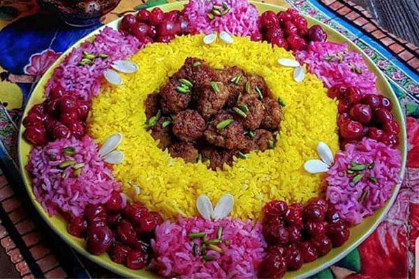 آلبالو پلو شیرازی