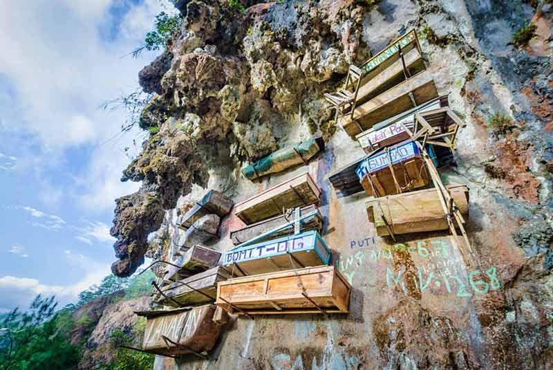 تابوت های آویزان فیلیپین