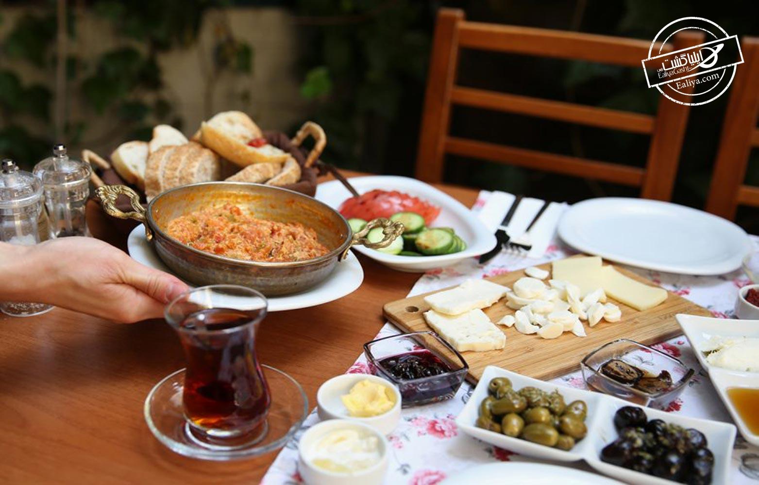 کافه در استانبول
