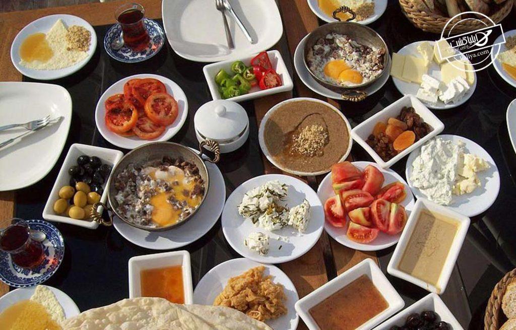 صرف صبحانه در دالتی مایا استانبول