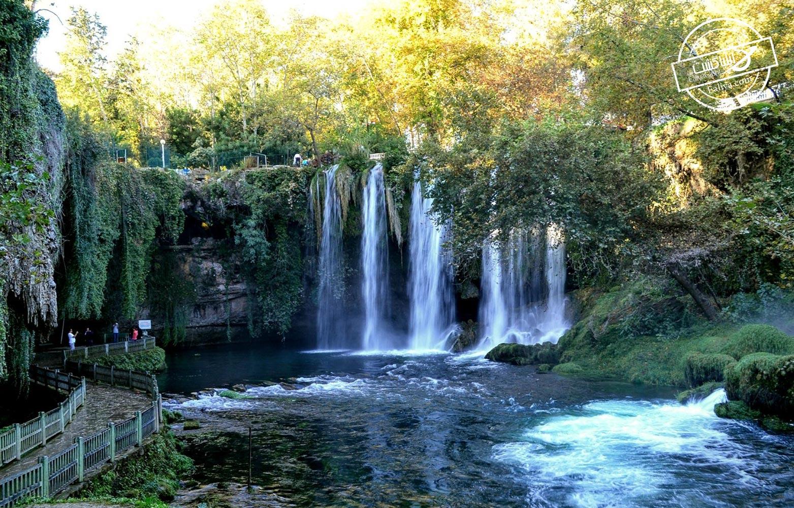 بخش آبشار پایینی آبشارهای دودن آنتالیا