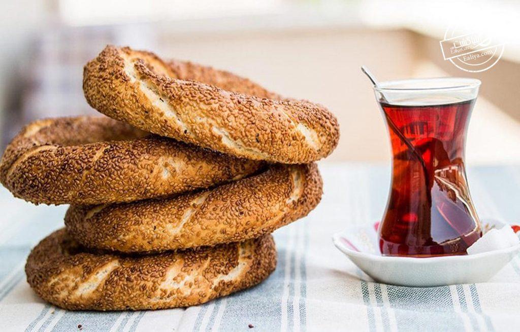 سیمیت و چای سیاه