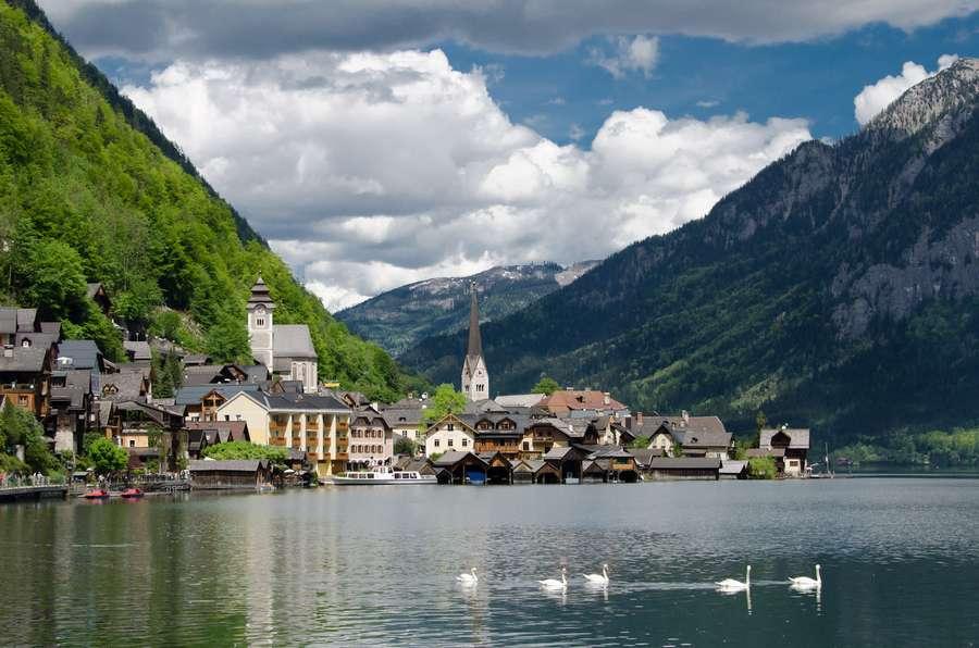 دهکده هالشتات در اتریش