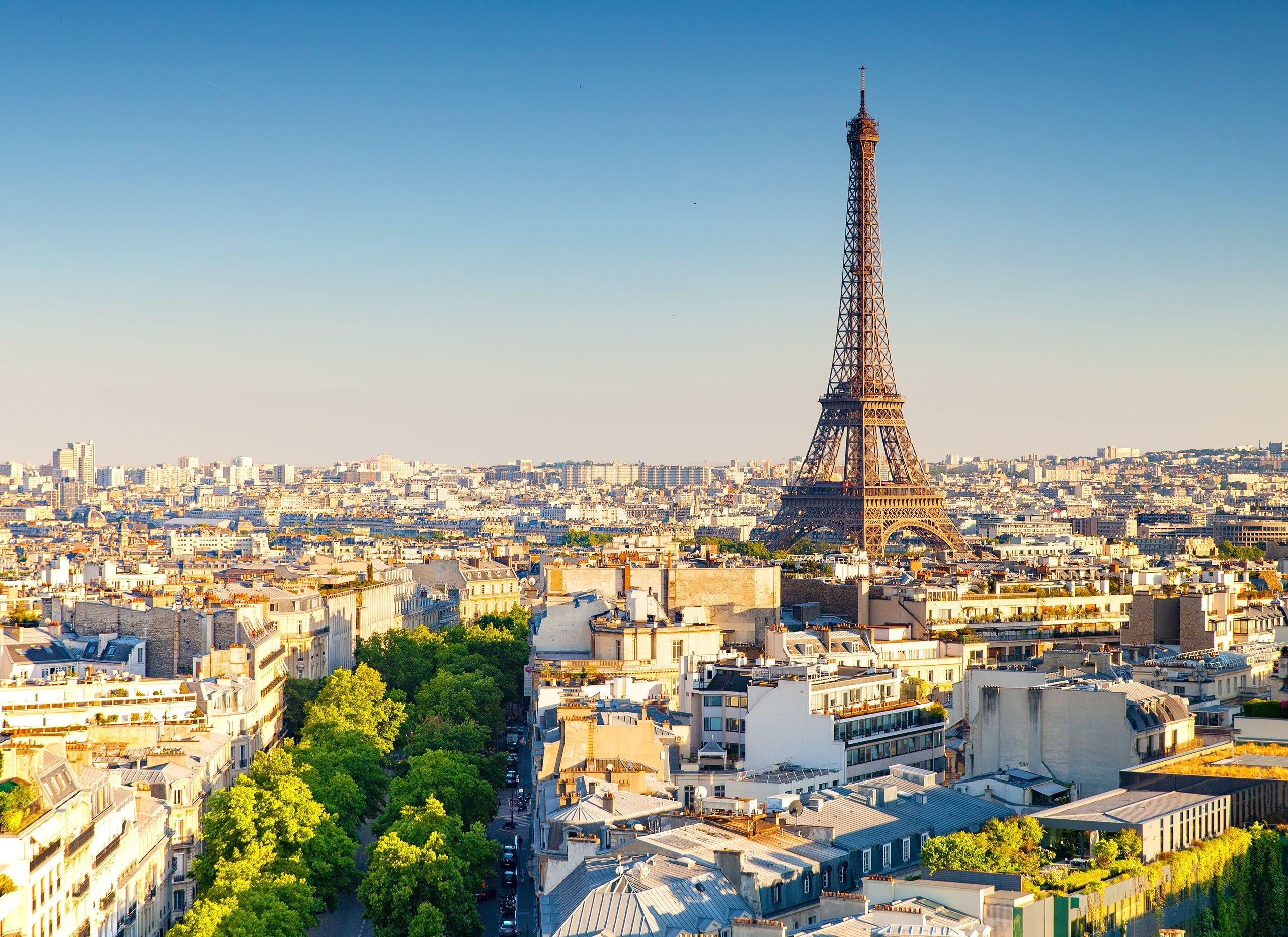 نمای برج ایفل در پاریس